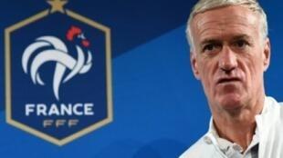 ديدييه ديشان مدرب منتخب فرنسا لكرة القدم خلال مؤتمر صحافي في ملعب سان دوني في 9 تشرين الأول/أكتوبر 2017