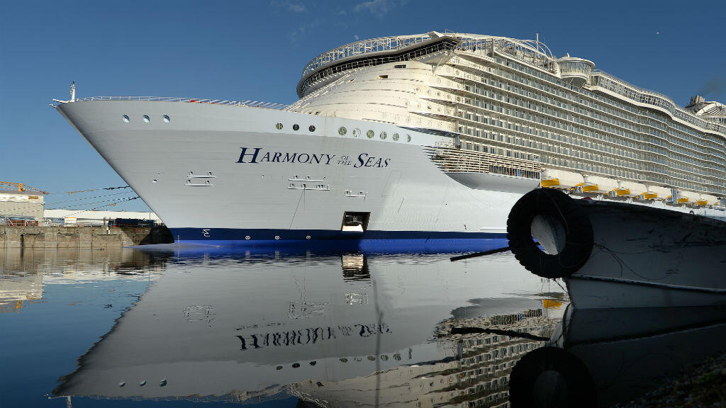 Video: World's largest cruise ship makes test run in French waters