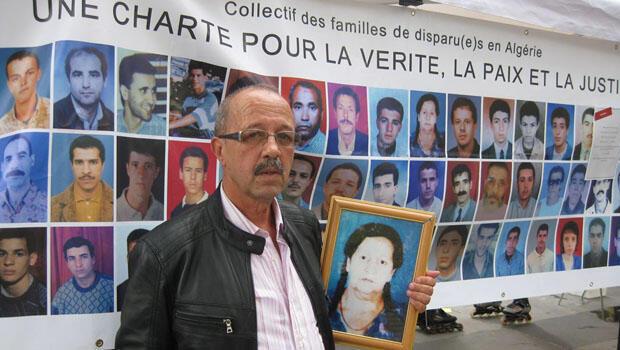 """السيد """"بن عزيزة"""" يبحث عن والدته التي اختفت في الجزائر"""