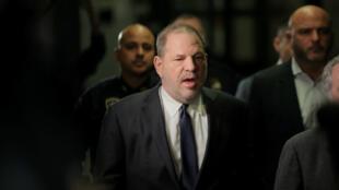 Archivo: El productor de cine Harvey Weinstein llega a la Corte Suprema de Nueva York en el distrito de Manhattan, EE. UU., el 20 de diciembre de 2018.