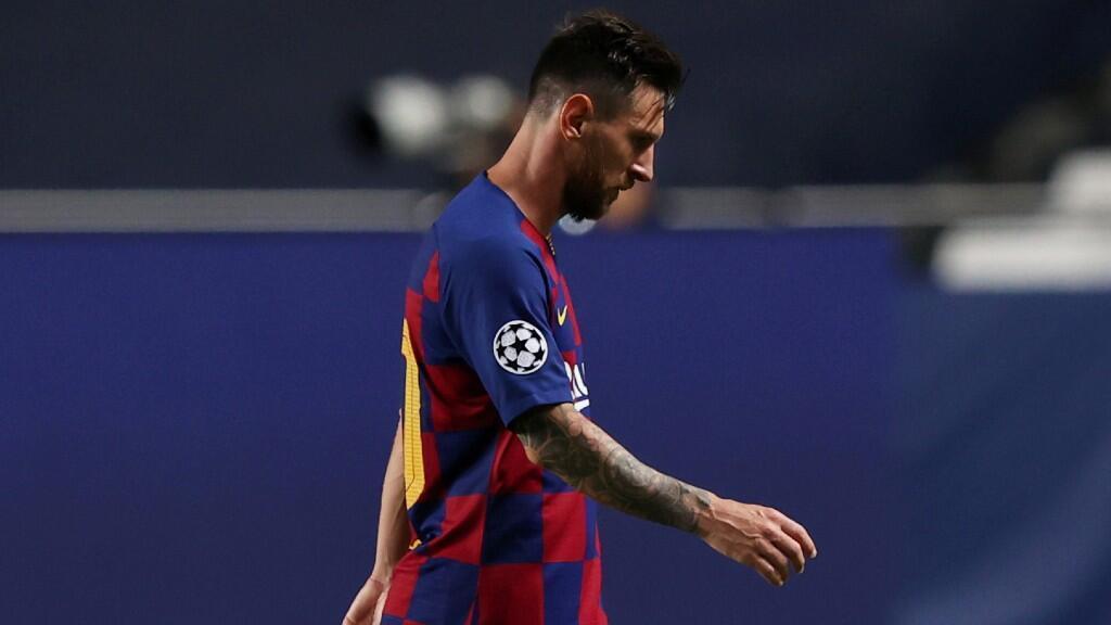 El argentino Lionel Messi camina en medio de su partido de Liga de Campeones contra el Bayern de Múnich el pasado 14 de agosto en Lisboa, Portugal.