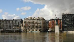 La Seine atteignait samedi vers 06h00, 5,69 m au pont d'Austerlitz.