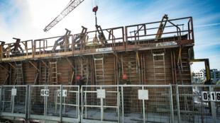 Un chantier de construction en activité, à Montévrain, près de Paris, le 12 mai 2020