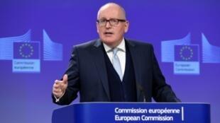 نائب رئيس المفوضية الأوروبية فرانس تميرمانس في بروكسل في 8 شباط/فبراير 2017