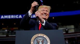 El presidente de los Estados Unidos, Donald Trump, tras oficializar su candidatura a la reelección con un mitin de campaña en Orlando, Florida, el 18 de junio de 2019.