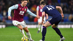 Newcastle have signed former Burnley midfielder Jeff Hendrick (L)