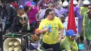2020-11-17 16:06 Thai police fire water cannon at parliament protest, at least 41 hurt