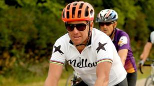 L'Américain Lance Armstrong n'a pas raccroché le vélo.
