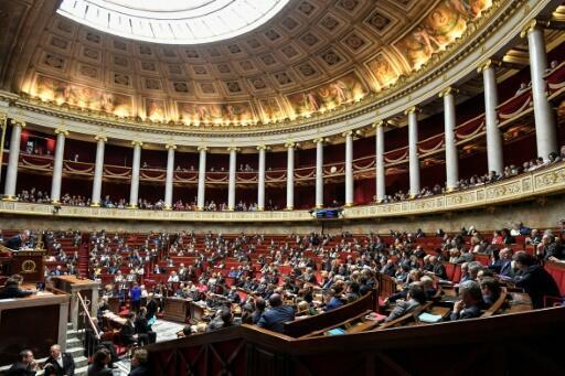 Des députés demandent la régularisation des sans-papiers pour mieux lutter contre le Covid-19.