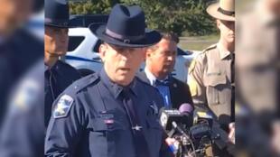 Jeffrey  Gahler entrega detalles sobre el tiroteo a la prensa este 18 de octubre.