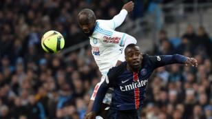 Duel entre le joueur marseillais Lassana Diarra (g) et Blaise Matuidi (d), dimanche 7 février au stade Vélodrome.