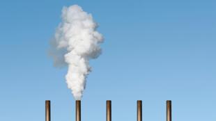 """Les ONG de """"L'affaire du siècle"""" ont décrété que le 5 mars marquait le """"Jour du dépassement"""", autrement dit la date à laquelle la France avait émis la totalité des gaz à effet de serre qu'elle pourrait se permettre de relâcher dans l'atmosphère en un an si elle respectait son objectif de neutralité carbone."""