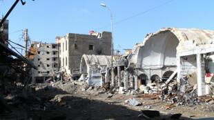 Des ruines dans la ville de Deir Ezzor, en janvier 2014.