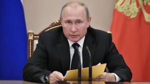 El presidente Vladimir Putin preside una reunión con los miembros del Consejo de Seguridad en Moscú, Rusia, el 23 de agosto de 2019.