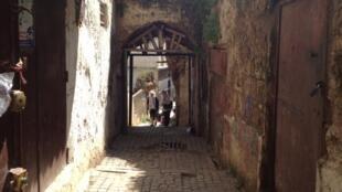 صورة من أزقة القصبة العتيقة في الجزائر العاصمة