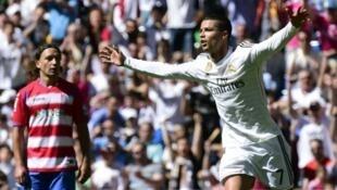 Cristiano Ronaldo est l'auteur d'un quintuplé contre Grenade, vaincu 9-1 par le Real.