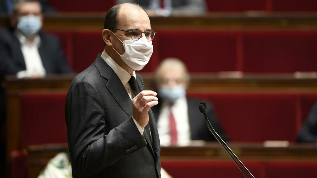 French MPs approve lockdown measures, pupils to wear masks from age 6