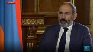 Le Premier ministre arménien Nikol Pachinian lors d'un entretien exclusif diffusé sur France 24.