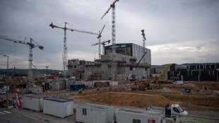 بناء مفاعل إيتر في سان بول ليه فالنس في جنوب فرنسا في 10 تشرين الأول/أكتوبر 2018