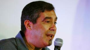 El exministro de Interior y Justicia de Venezuela y exjefe de inteligencia de Chávez, Miguel Rodríguez Torres, habla con los medios durante una conferencia de prensa en Caracas. Foto tomada en junio 2017.