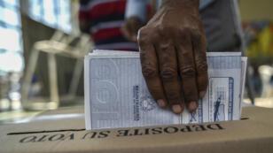 Pour la première fois, les anciens rebelles des Farc ont participé à des élections législatives en Colombie, dimanche 12 mars.