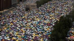 الحجاج يتوجهون من مسجد نمرة إلى جبل عرفات. 10 أغسطس/آب 2019.