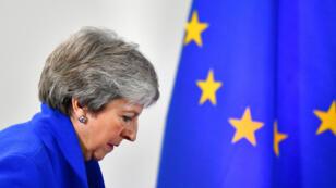La primera ministra del Reino Unido llega a una rueda de prensa para hablar sobre la salida del Reino Unido de la Unión Europea en Bruselas, Bélgica. 25 de noviembre de 2018.