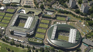 Vue aérienne du temple du tennis britannique de Wimbledon, le 4 juillet 2019