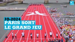 Piste d'athlétisme flottante installée sur  la Seine, le 23 juin, pour promouvoir la candidature de Paris aux JO-2024.