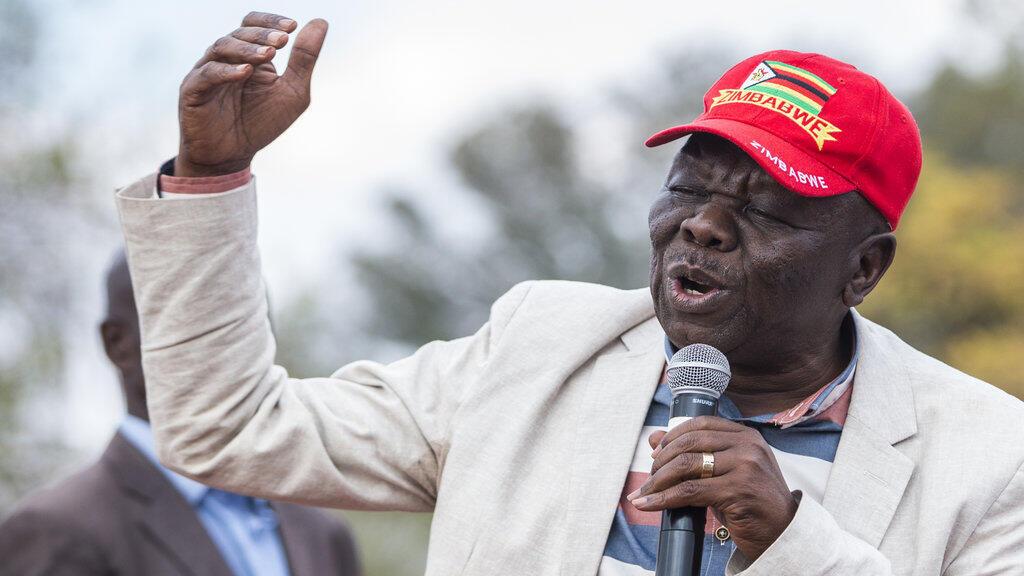 Morgan Tsvangirai s'adresse à ses partisans réunis à Harare le 5 août 2018.