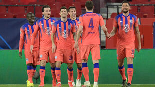 La joie des joueurs de Chelsea, après leur victoire, 2 buts à 0 face à Porto, lors du quart de finale aller de la Ligue des Champions, le 7 avril 2021 à Séville