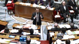 Emmanuel Macron lors d'une session de travail sur son projet de loi, le 14 février 2015 à l'Assemblée.