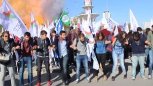 Deux explosions meurtrières se sont produites, samedi 10 octobre, dans le centre d'Ankara.