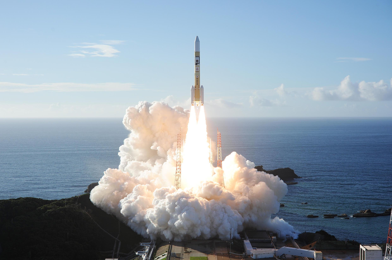 """""""Al-Amal"""" (Espoir), la première mission spatiale arabe vers Mars, menée par les Emirats arabes unis, a décollé lundi 20 juillet du Japon."""