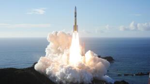 إطلاق مسبار الأمل في مركز محمد بن راشد للفضاء في جيوسيبي كاساتشي في اليابان