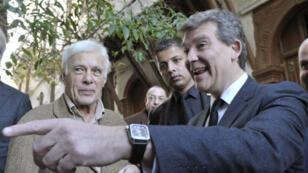 L'humoriste Guy Bedos et Arnaud Montebourg, dimanche 11 décembre 2016, à Alger.