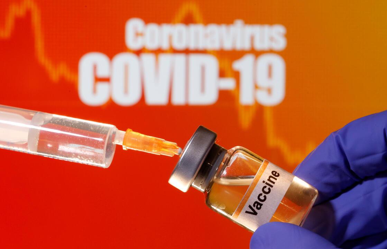 En l'absence de remèdes éprouvés contre les formes graves du Covid-19, seuls des vaccins administrés à large échelle permettraient de se prémunir contre la maladie et d'interrompre la transmission du virus.