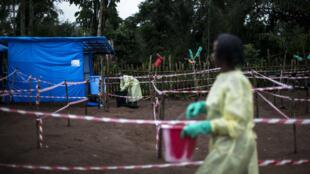Centre de mise en quarantaine pour les malades d'Ebola dans le village de Muma en RD Congo, le 13 juin 2017.