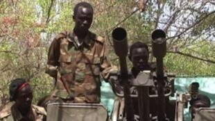 مقاتلون من متمردي النيل الأزرق.
