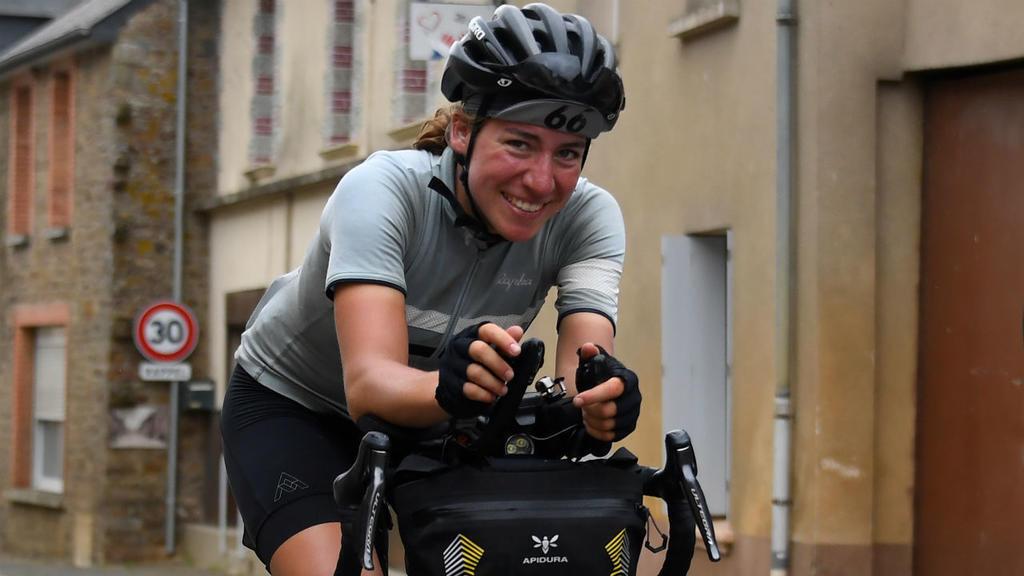 Fiona Kolbinger, 24 años, ganadora de la Transcontinental Race.