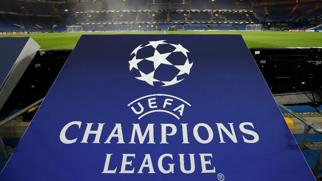 """La principal competición de fútbol de clubes, la Champions League, quedó suspendida """"hasta nuevo aviso""""."""