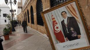Un portrait de l'ancien président tunisien, Zine el-Abidine Ben Ali.