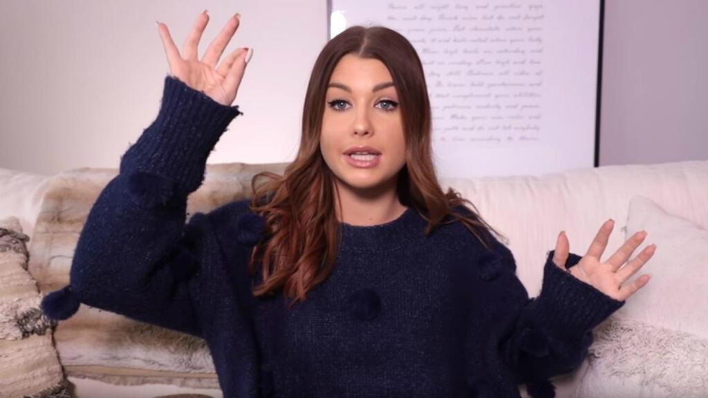 """Capture d'écran de la vidéo d'EnjoyPhoenix """"POURQUOI JE NE VAIS PLUS RECEVOIR DE PRODUIT DE LA PART DES MARQUES""""."""