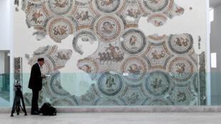 Le musée du Bardo devait rouvrir ses portes le 24 mars, moins d'une semaine après l'attaque qui a fait 23 morts.