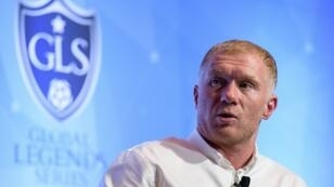 """Former Manchester United midfielder Paul Scholes says manager Jose Mourinho is in a """"difficult position""""."""