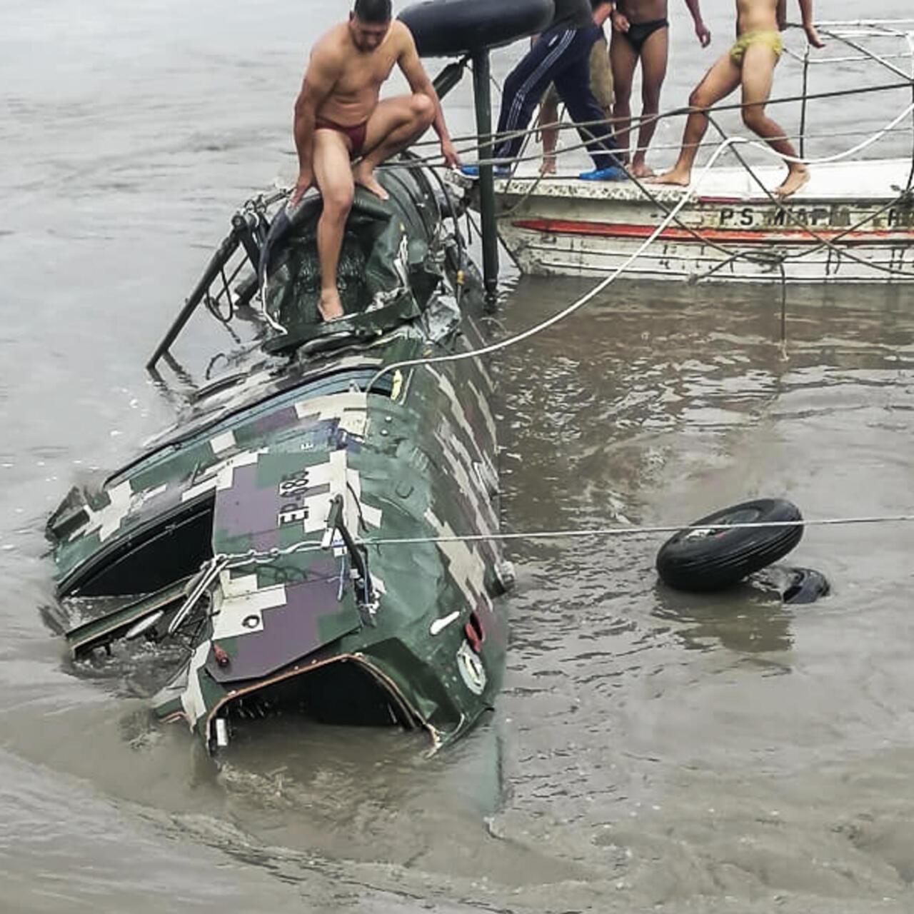 Accidente de helicóptero en Perú deja cinco militares muertos - France 24