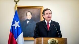 El ministro de Relaciones Exteriores de Chile, Roberto Ampuero, en una conferencia de prensa en Santiago, el 24 de spetiembre de 2018