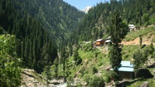 La vallée du Neelum, le 9 juin 2013, où le bus a été touché par les tirs indiens selon le Pakistan.