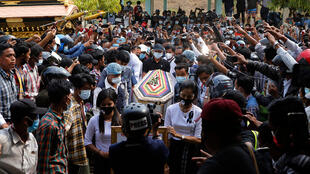 FuneralMya Thwate Thwate KhaingMyanmar (1)