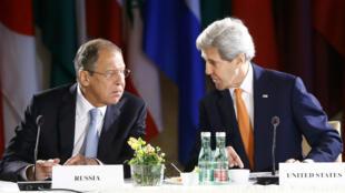 Sergueï Lavrov et John Kerry, photographiés à Vienne, en mai 2016.